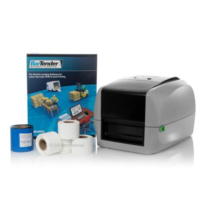 Ein PCR-TagTrax-Druckkit mit einem MACH1-Thermotransfer-Barcodedrucker in der Kabine, einem Harzband, 4-Etikettenrollen und der BarTender-Software.